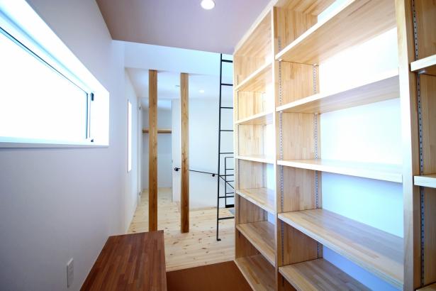 2階読書スペース